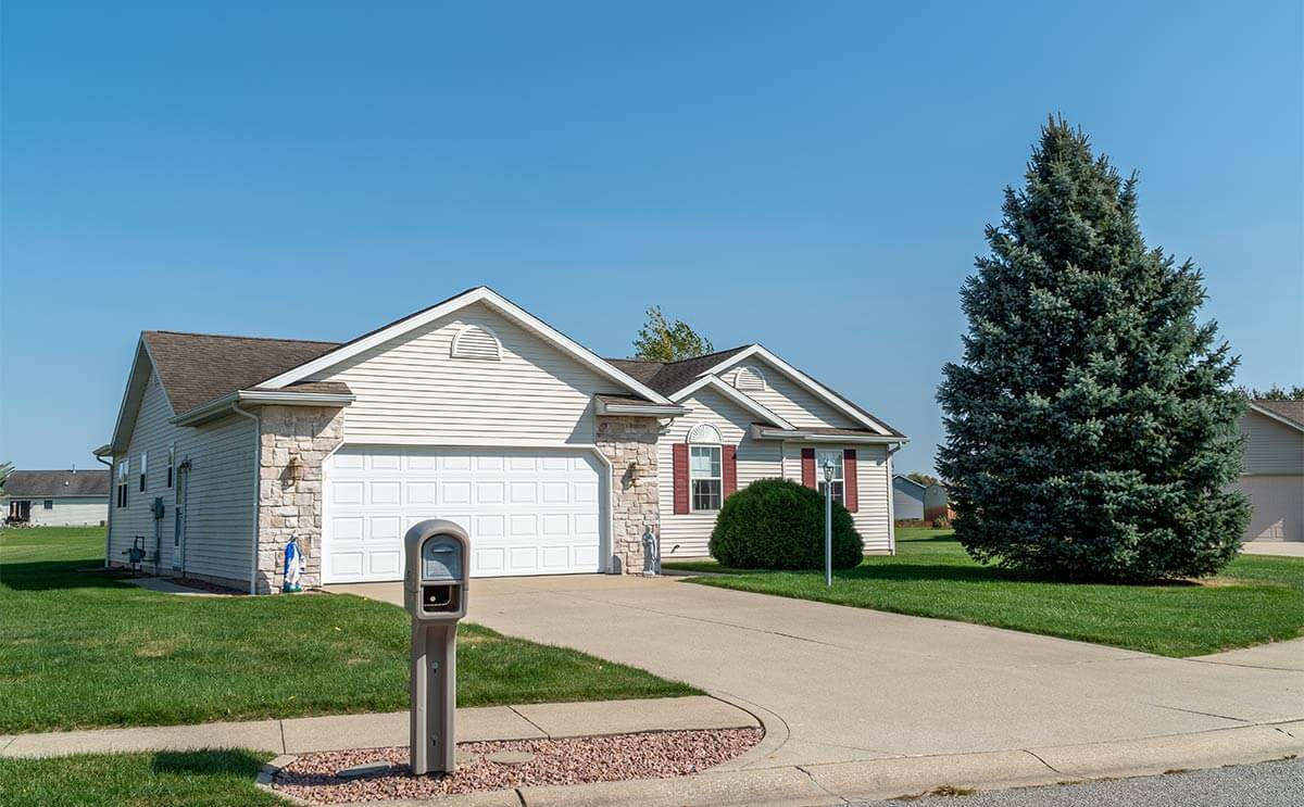 58742 Derby Ct, Goshen, Indiana: Exterior view of home from street