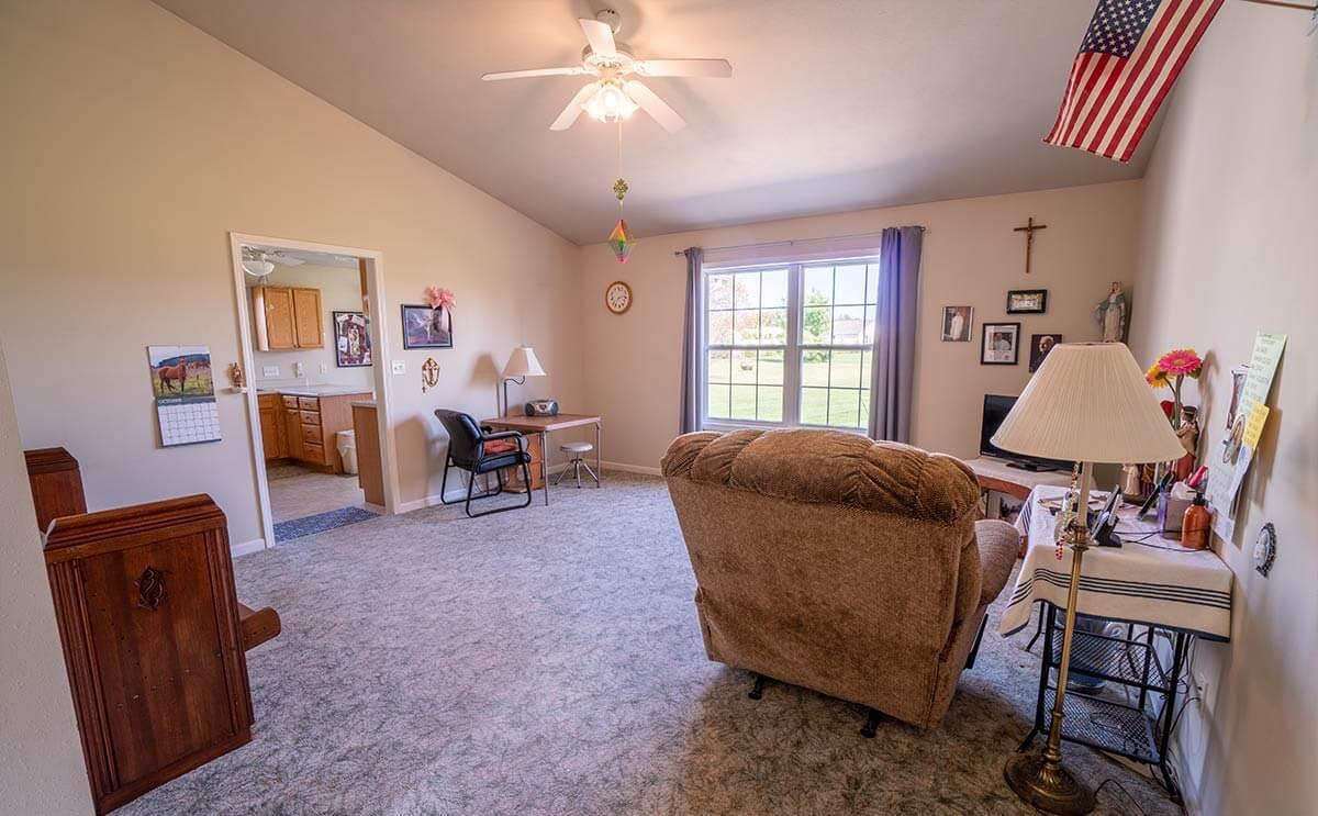58742 Derby Ct, Goshen, Indiana: Living Room