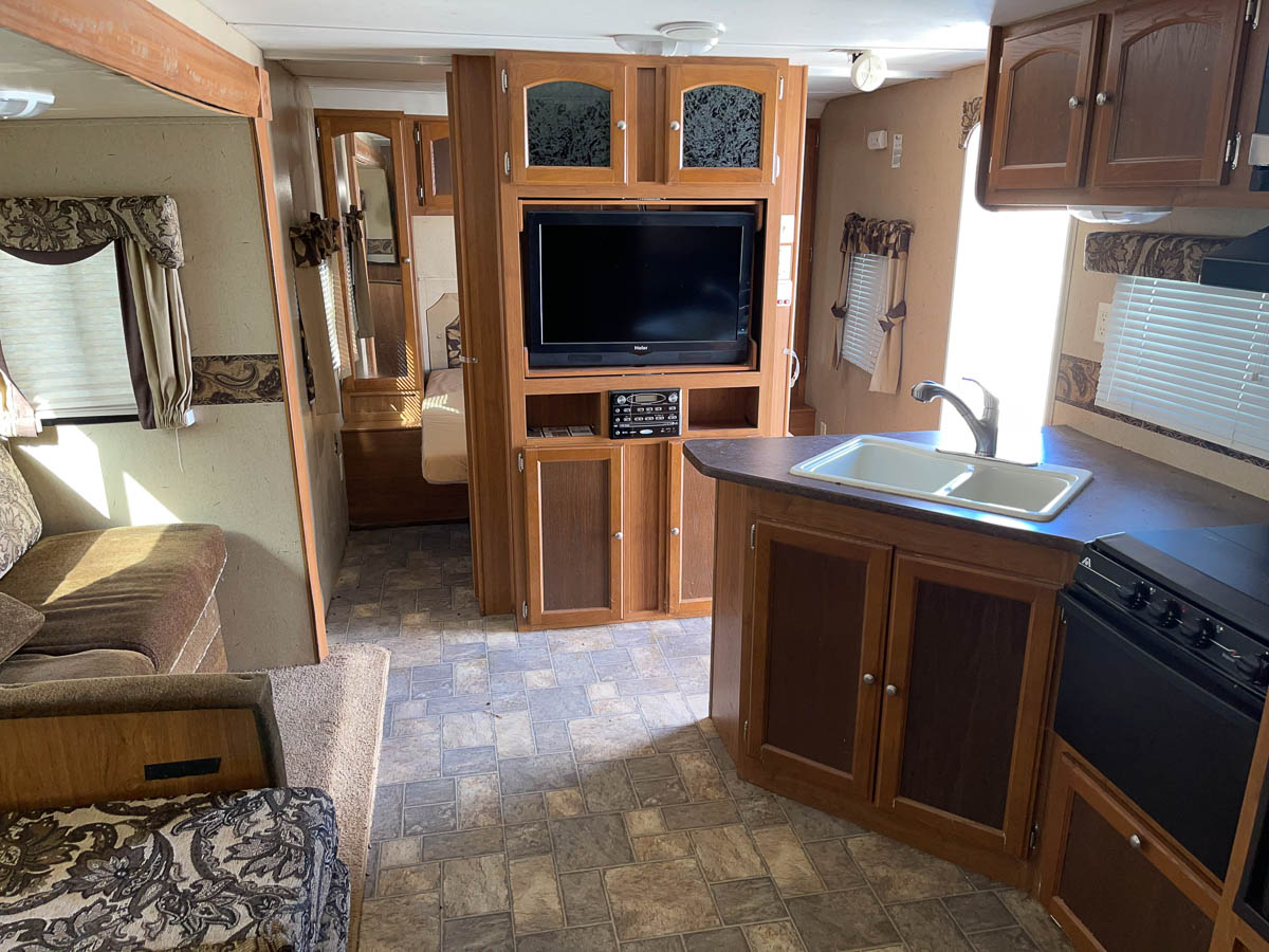 Crossroads Sunset Trail Front Room