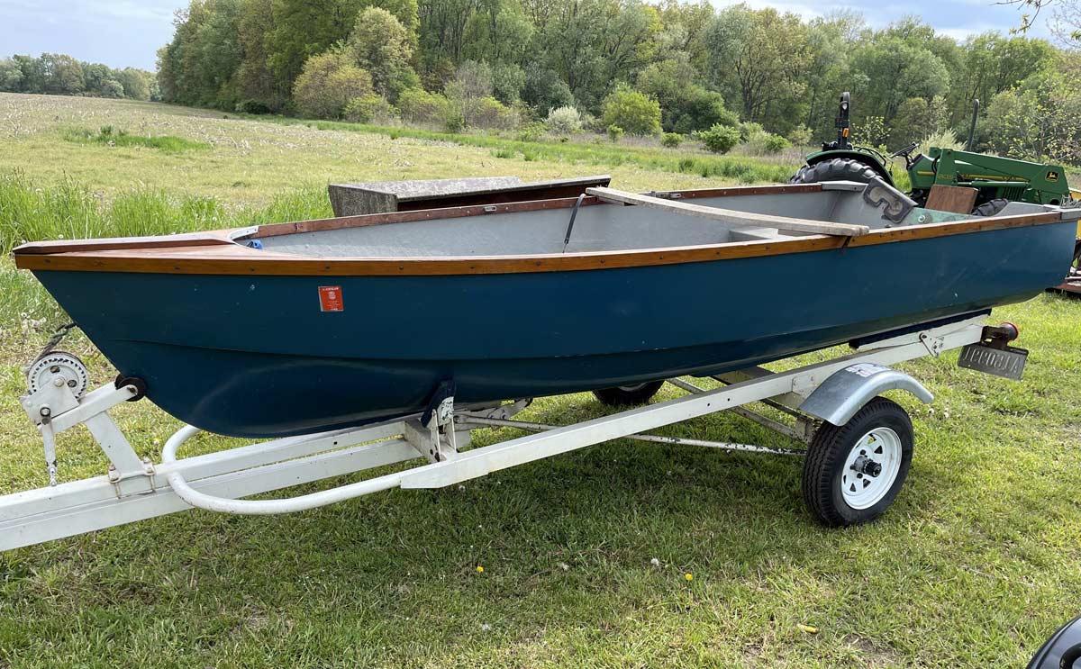 Three Rivers, Michigan auction: Fishing Boat & Trailer