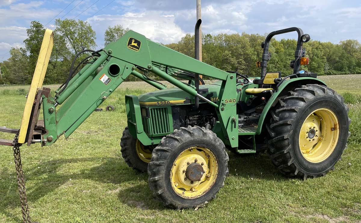 Three Rivers, Michigan auction: John Deere Tractor