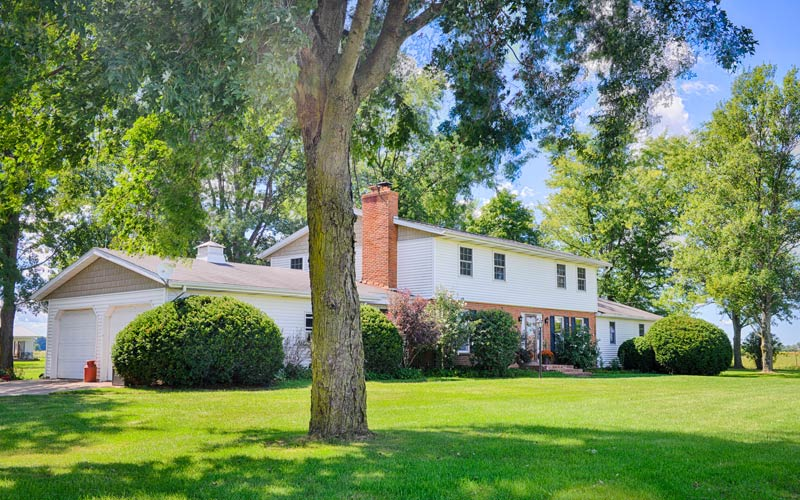 Home for Auction: 0675 W 300 N, Howe, Indiana